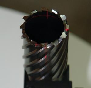 Лазерная установка корончатого сверла на заточном станке ERM-2
