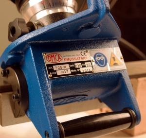 МФ-700 Долговечный литой алюминиевый корпус фаскоснимателя.